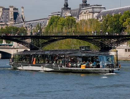 Bateaux parisiens lunch cruise overview - Bateaux parisiens port de la bourdonnais horaires ...